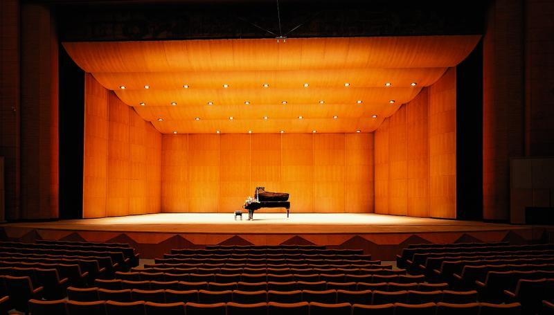 Diva® Full-Stage Acoustical Shells