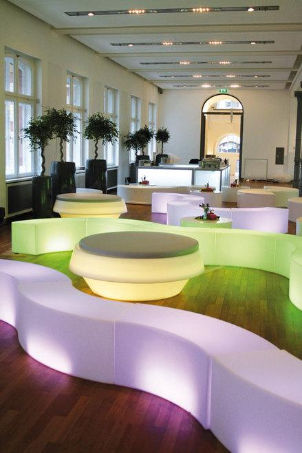 Snake Modular Seat - Astera-LEDs.com ~ Wireless Color LED Solutions for Event and Film Lighting ~ Engineered in Germany ~